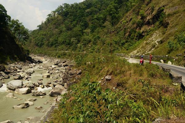 непал река