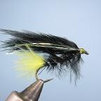 4. Viva-puchowiec. Ogonek, tułów i skrzydełka z piór marabuta, srebrna przewijka, trochę błyszczących dodatków.