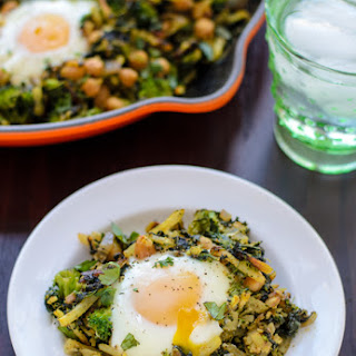 Curried Chickpea Hash with Broccoli and Spinach
