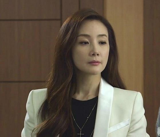 Korean_Drama_Fashion_Choi_Ji_Woo_in_Temptation