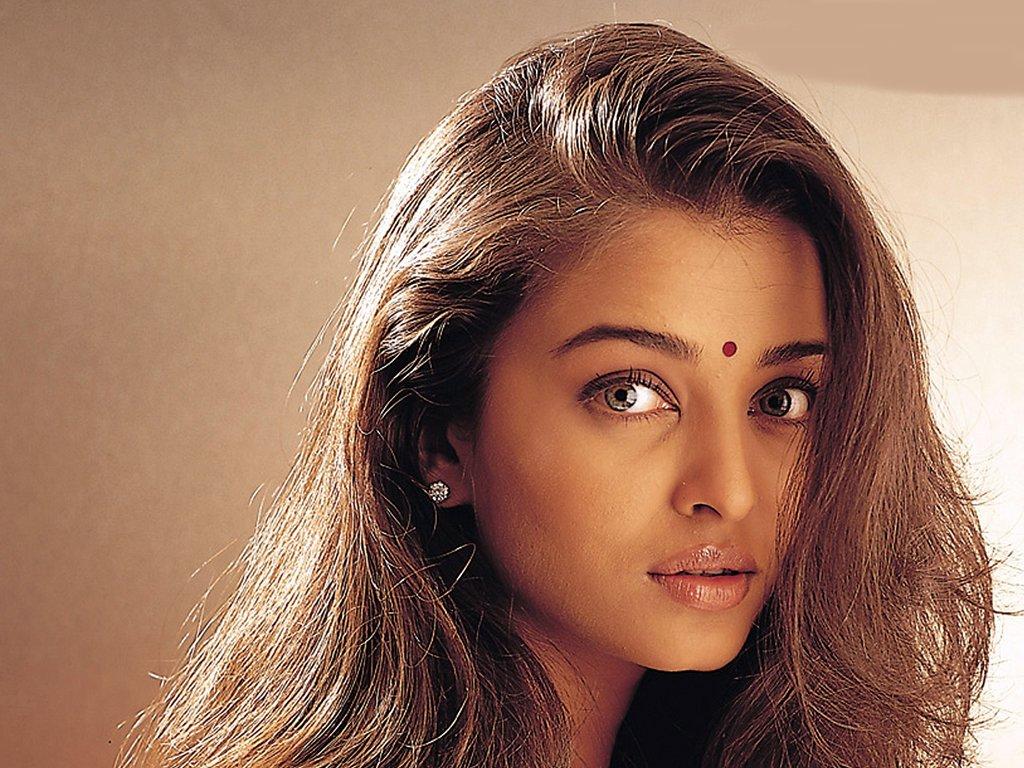 Dhoom 2 Aishwarya Rai is