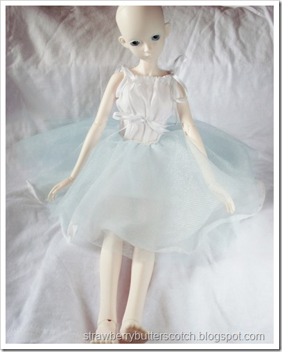 Bjd in a blue tulle circle skirt