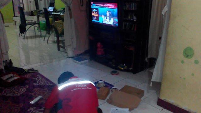 Menikmati TV interaktif