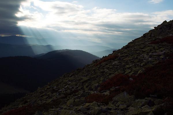 карпаты горганы панорама лучи небо