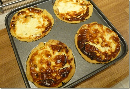 caramelised onion and goats cheese tartlets3