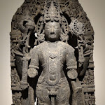Visnu Vasudeva. Karnataka. Epoque hoysala, 12e s. Chloritoschiste. MA 2131.