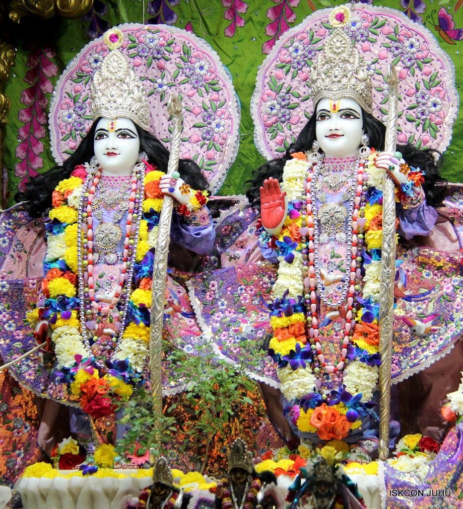 ISKCON Juhu Sringar Deity Darshan 11 Feb 16 (32)