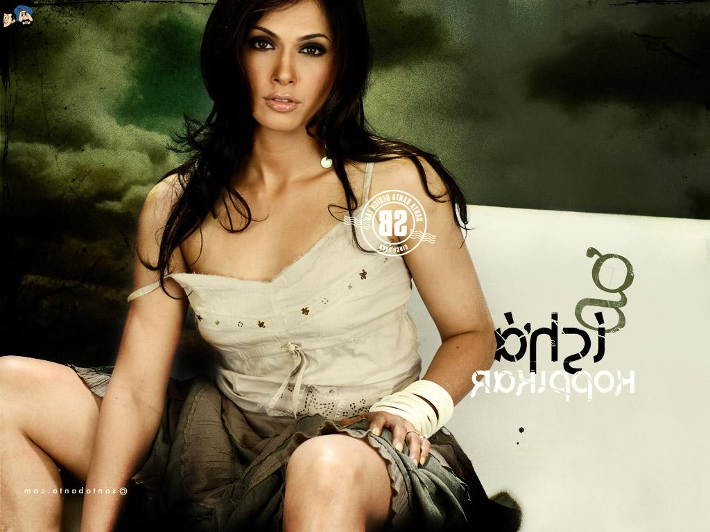 Isha Koppikar Hot In Right Ya