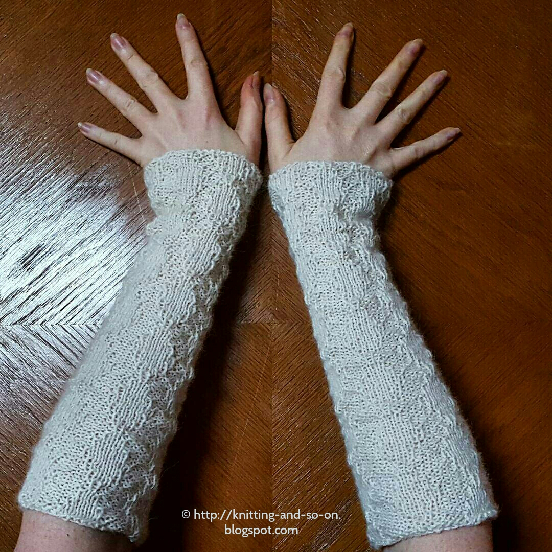 Knitting and so on: Barton Cottage Wrist Warmers