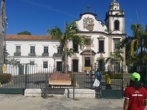 Colégio de Sao Bento, Av. Sigismundo Gonçalves, 375 - Varadouro, Olinda - PE, 53010-240, Brasil, Colegio_Privado, estado Pernambuco