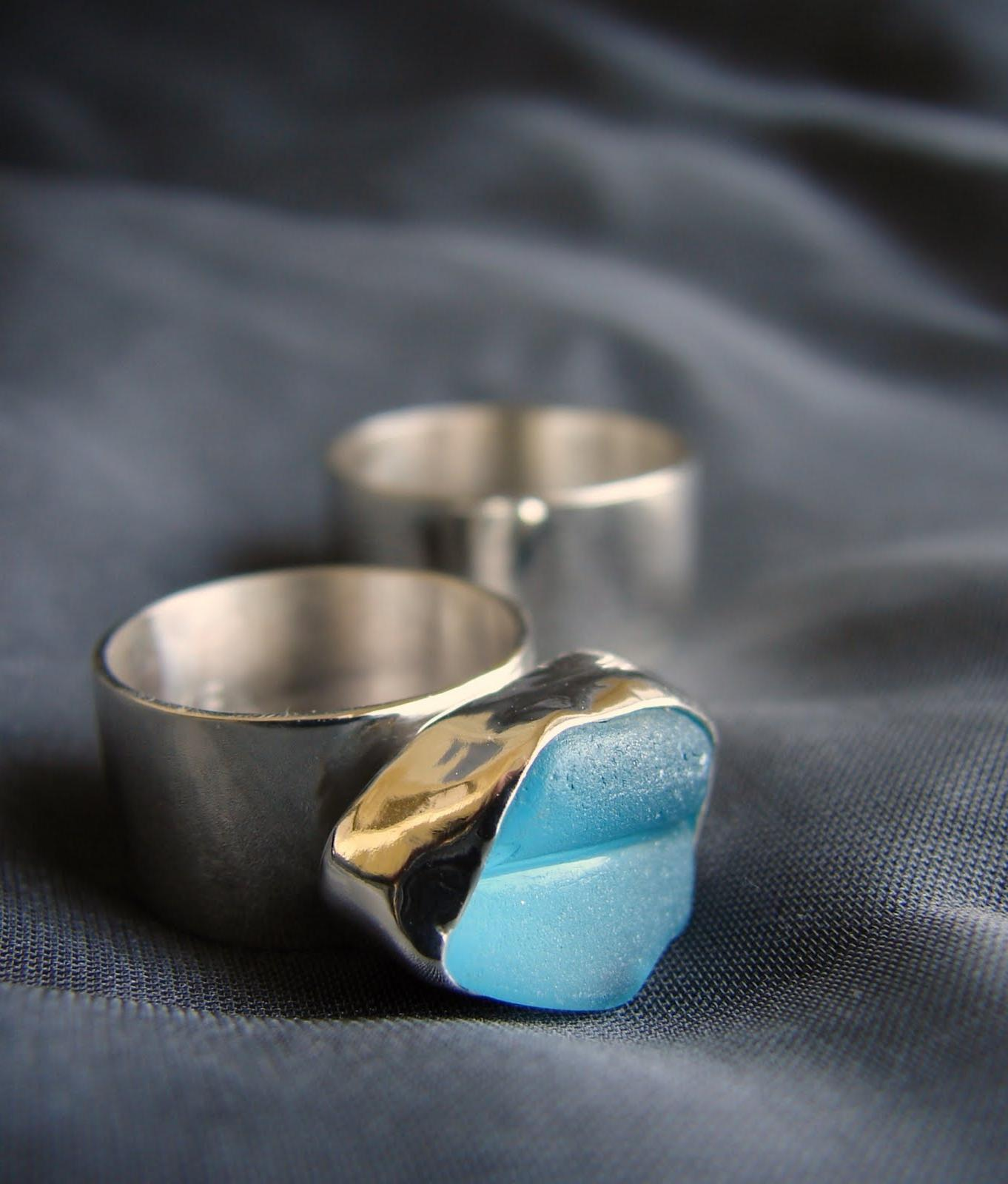 A set of wedding rings for a