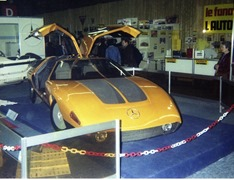 1983.02.18-037.10 Mercedes futuriste