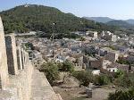 Anblick von der Burgmauer hinunter / Вид с крепостной стены вниз
