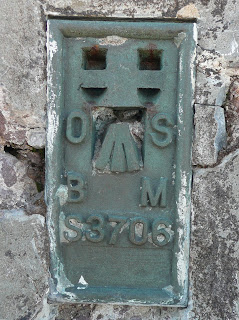 Bidein a Ghlas Thuill Trig Point Flush Bracket (S3706)