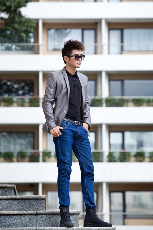 Chon ao vest nam dep de mac cung quan jeans  1