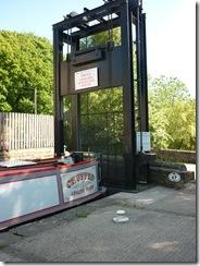5 lock 24E guillotine