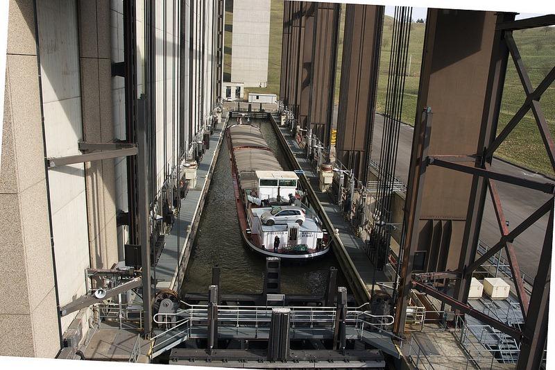 strepy-thieu-boat-lift-6