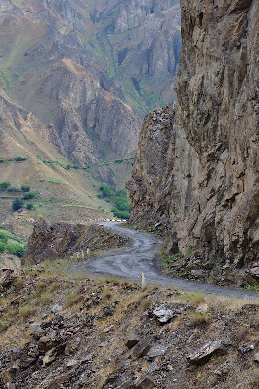 Pe autostrada Pamir.