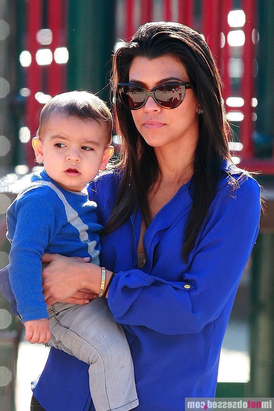 kim kardashian pregnant 2011