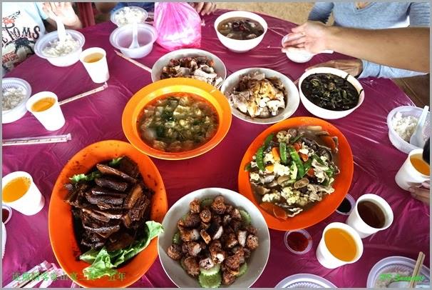 客家山宴八菜上桌