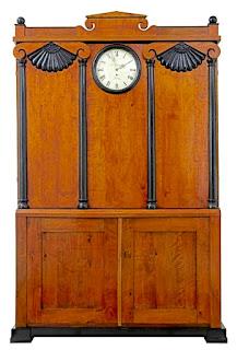 Красивый шкаф с часами. ок.1880 г. 142/46/219 см. 8000 евро.
