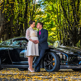 Sara e Mattia by Mauro Locatelli - Wedding Bride & Groom ( autumn, waiting, wedding, pregnant, bride and groom )