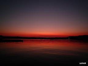 2009/9/6余りにも穏やかなので、沈んだ後も桟橋でボーっとしてたら、キレイな夕闇に染まりました。
