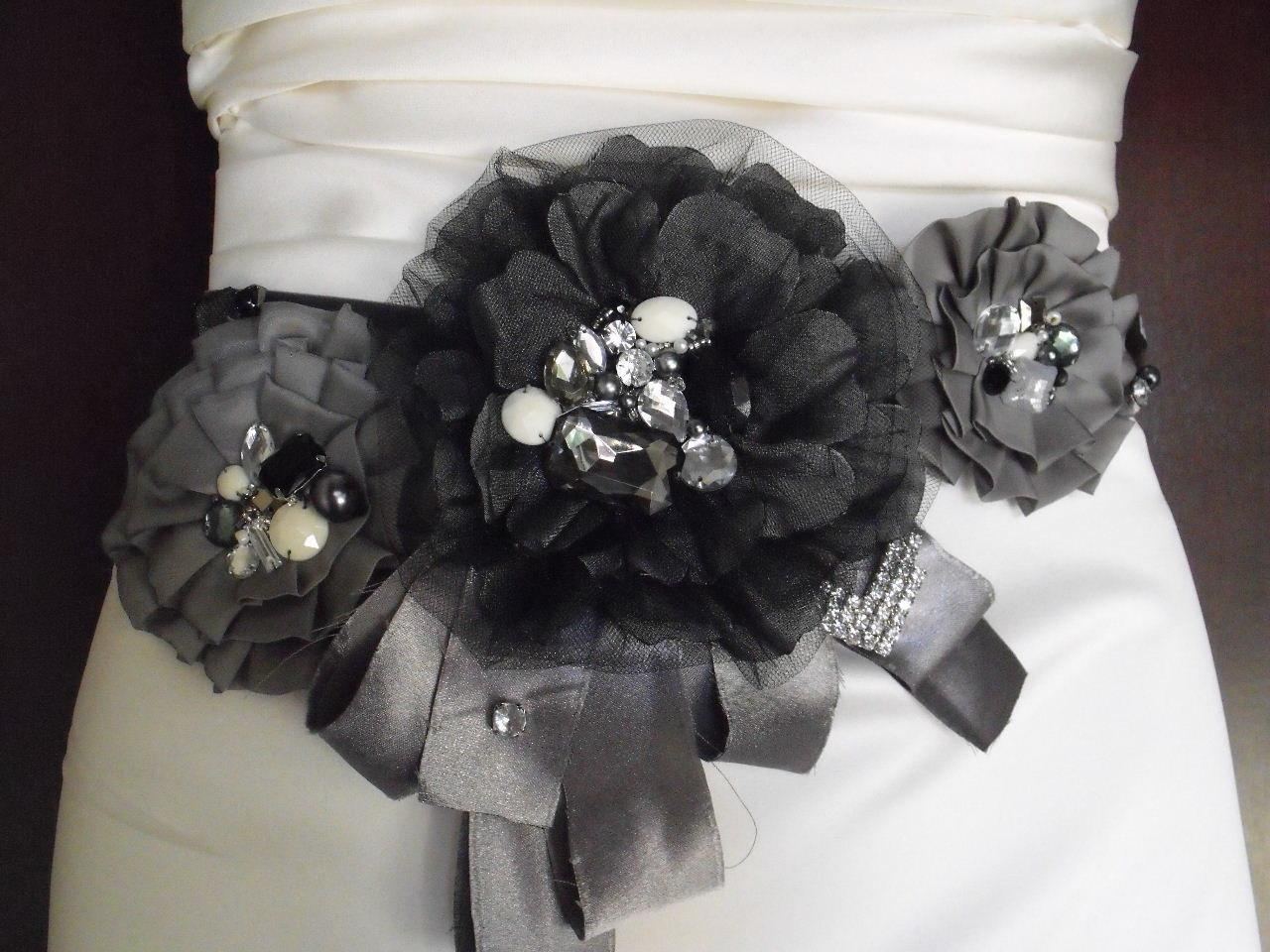 Black Sash, Black Flower Belt