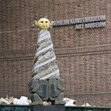 Bij het Kunstmuseum in Trondheim