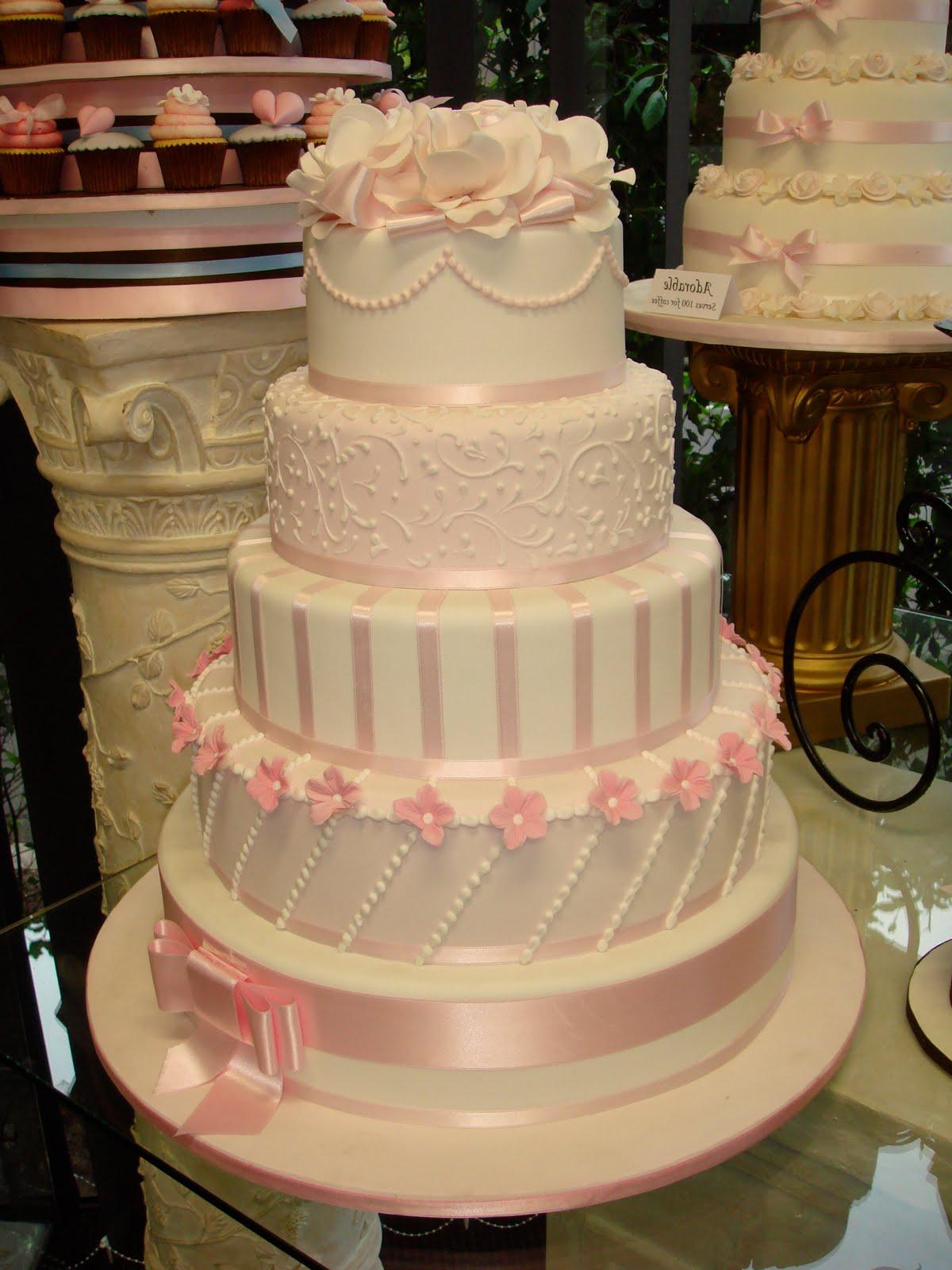 My wedding cake dreams have just been shaken. Apparently the monumental
