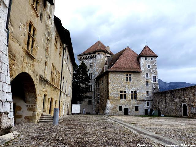 castillo-de-annecy.JPG