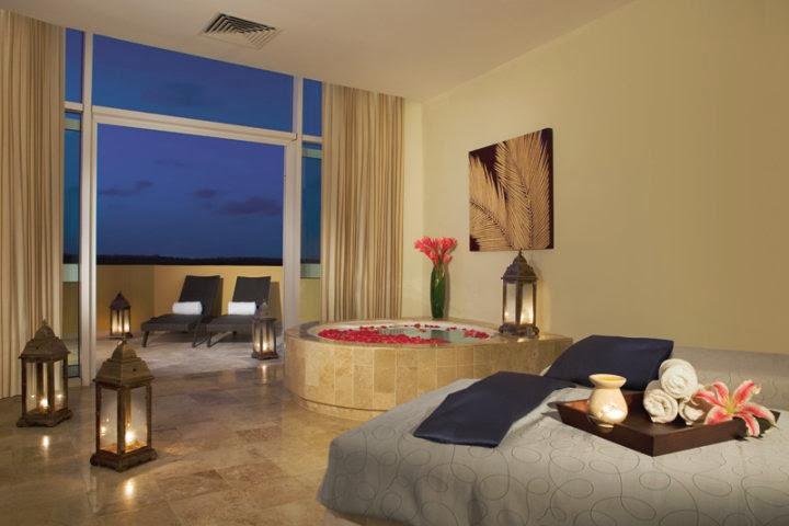 Now Jade Riviera Cancun - 31429_119445571411621_7939561_n.jpg
