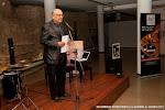 43: La introducción al concierto de Carlos Piñana, estuvo a cargo de Juan Grecos, guitarrista flamenco con una larga experiencia como solista y acompañante del baile y el cante. Es Presidente de Amigosdela Guitarra de Valencia y Gerente de RC strings.