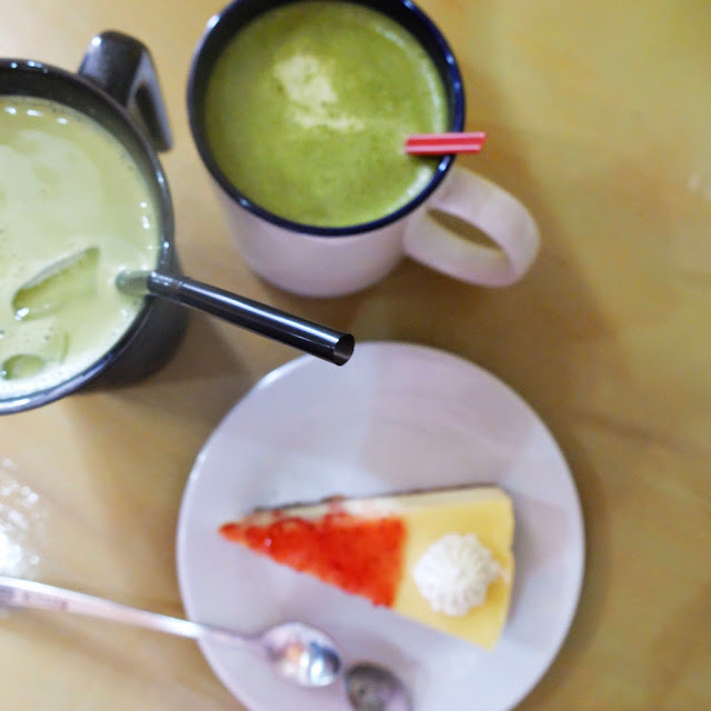Green milk tea and strawberry cheesecake