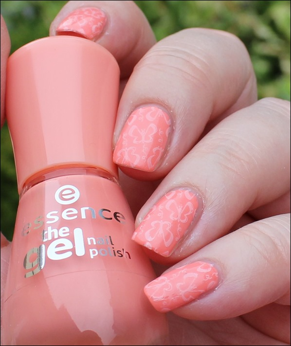 Soft Summer Schmetterlinge Stamping Essence Sommer 01