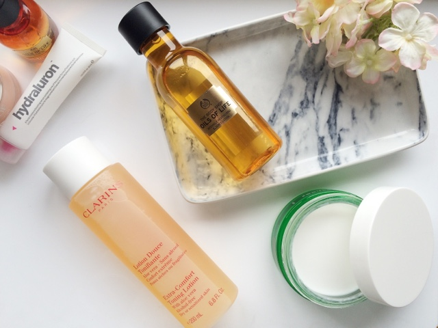 The Body Shop Oils of Life, Clinique Moisture Surge, Indeed Labs, Skincare for dehydrated skin, how to prevent dehydrated skin, uk blogger, the body shop bouncy sleeping mask, clarins toner