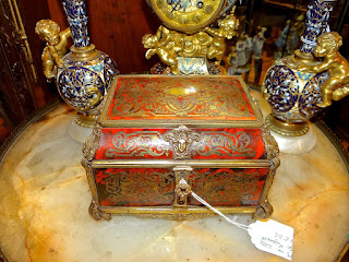 Красивая шкатулка в стиле БУЛь. 19-й век. 25/15/15 см. 2900 евро.