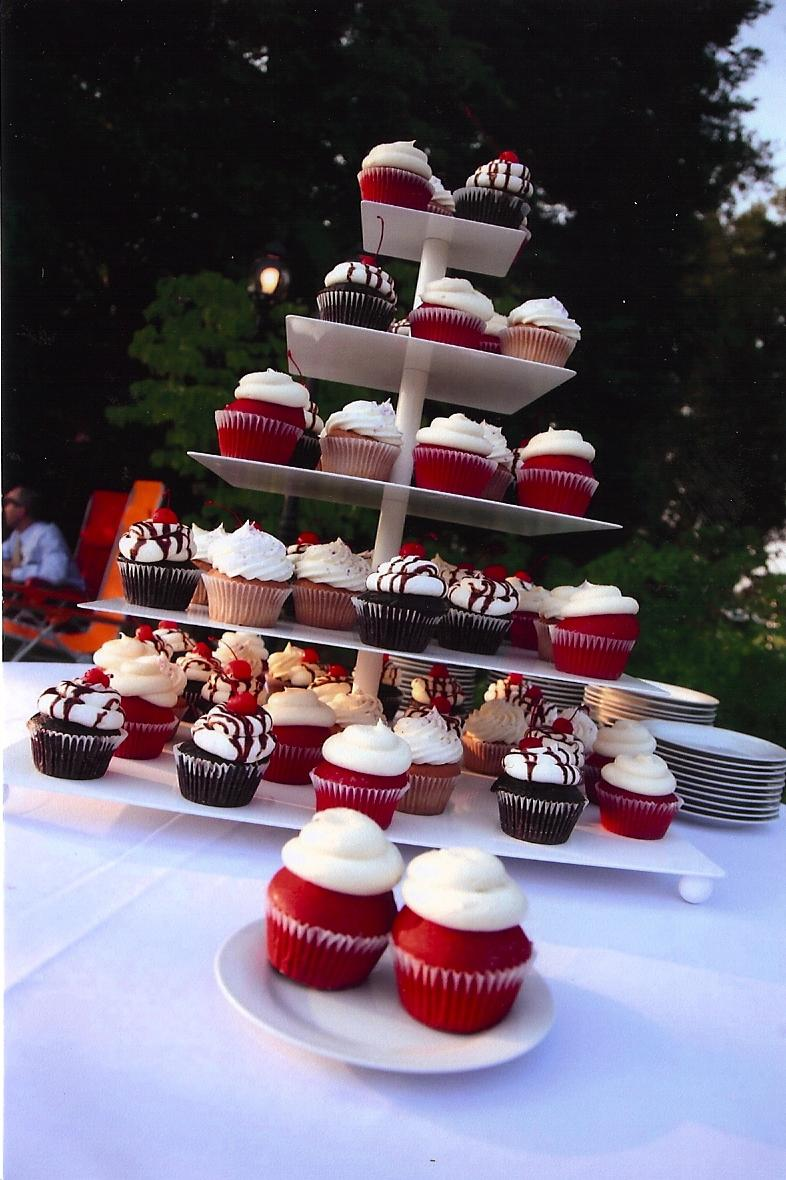 Sift Cupcakery Wedding Display