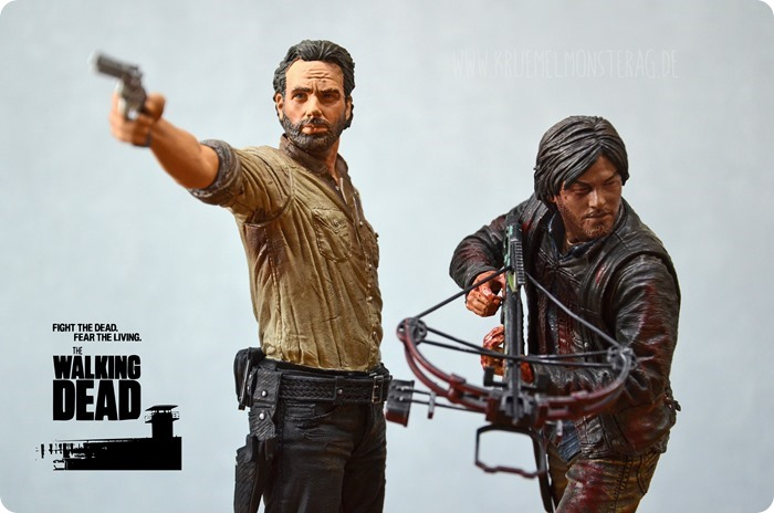 #twd (03) The Walking Dead McFarlane Action Figure Deluxe Rick Grimes and Daryl Dixon