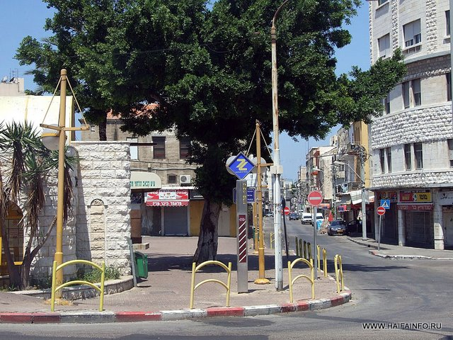 ADSCF4265 Haifa Paris sq Underground Station.jpg