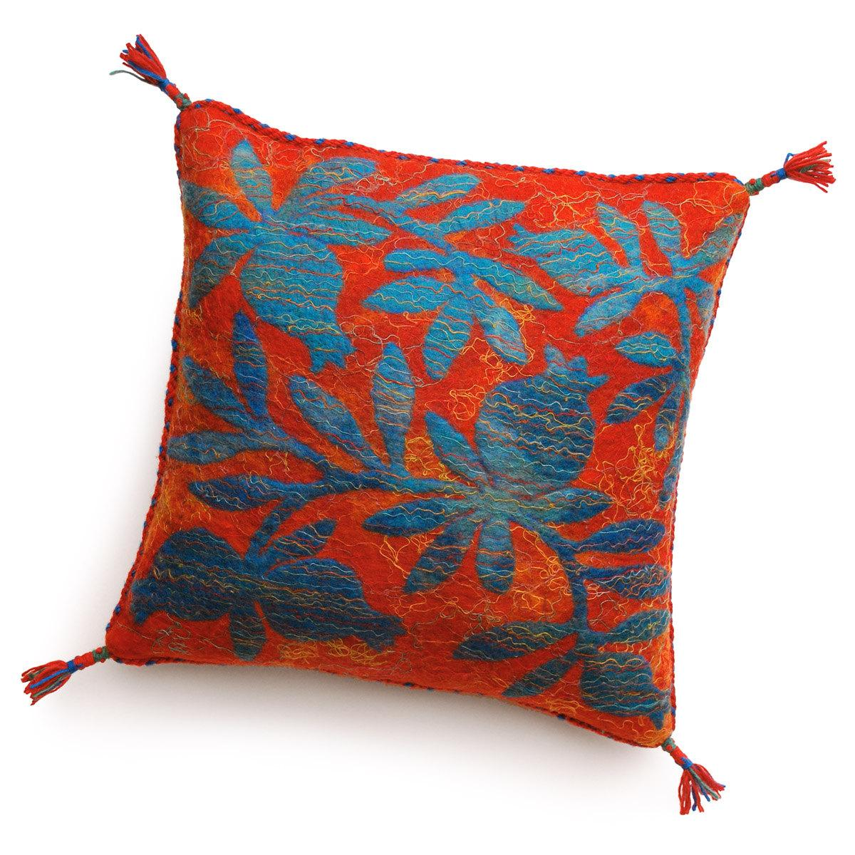Turquoise on red. 40 x 40 cm  15,75 x 15,75 . From gobifelt