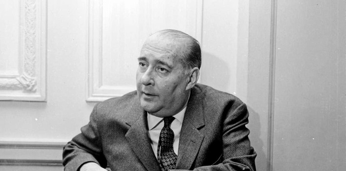 28th November 1966:  Italian film director Roberto Rossellini (1906 - 1977) attends a press conference at the Cafe Royal.  (Photo by Terry Disney/Express/Getty Images)