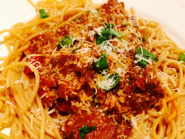 Ragu alla bolognese sauce with whole wheat pasta