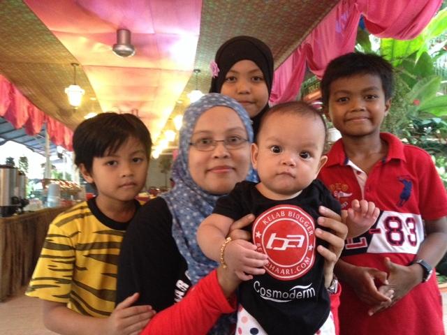 Family Besar KelabBloggerBenAshaari Amal