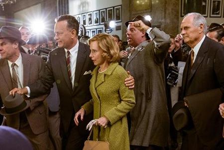 Tom Hanks, Amy Ryan, Alan Alda in Bridge of Spies