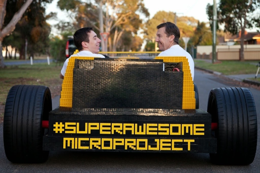 Super Awesome Micro Project Lego Car 28