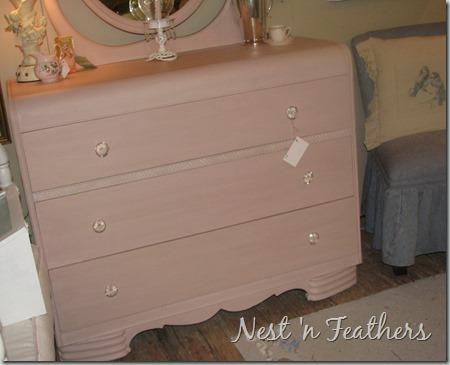 Pink Deco dresser 3