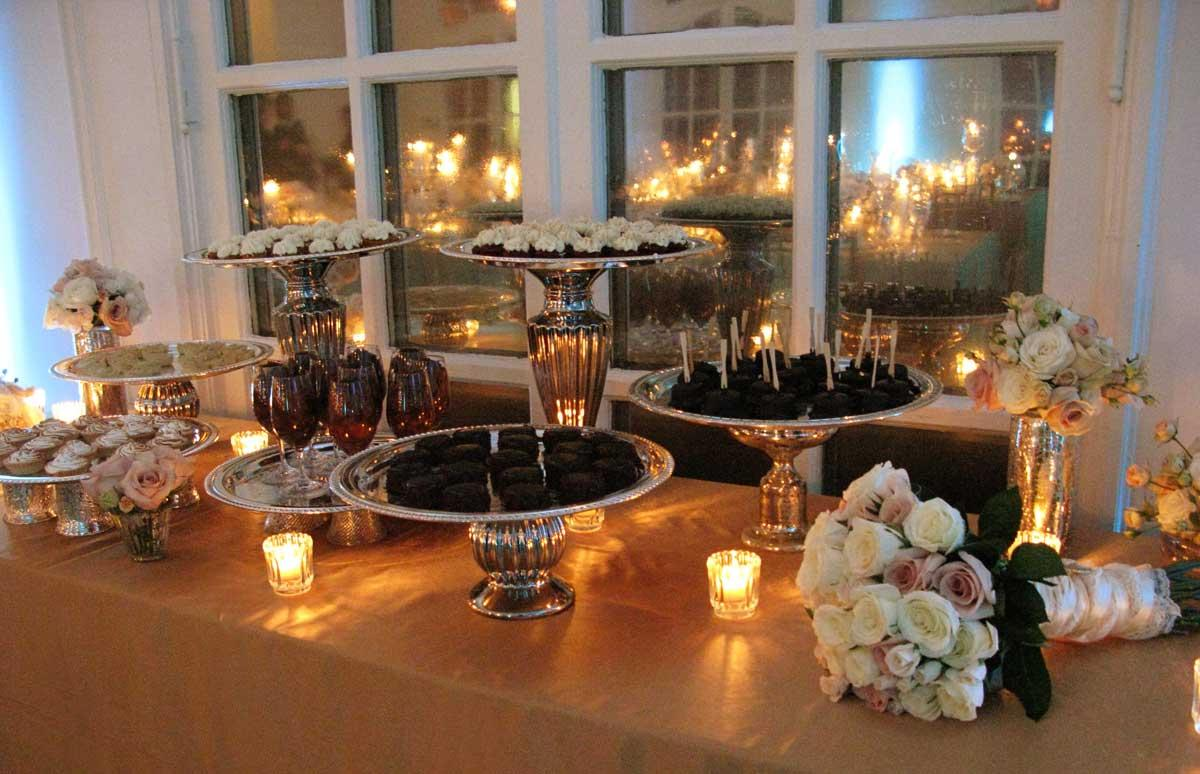 Our dessert table     more on