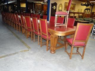 Гарнитур из трёх столов и 30 стульев. ок.1900 г.