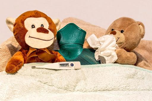 Что делать если ребенок простудился? Симптомы и лечение